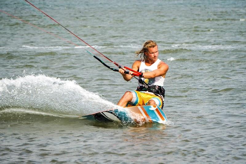 Sri. Lanka Mannar Kiteboarding. Kobus De Wet.
