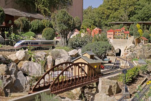 jeux interieur Jarditrain loisirs et attraction en Vaucluse Provence