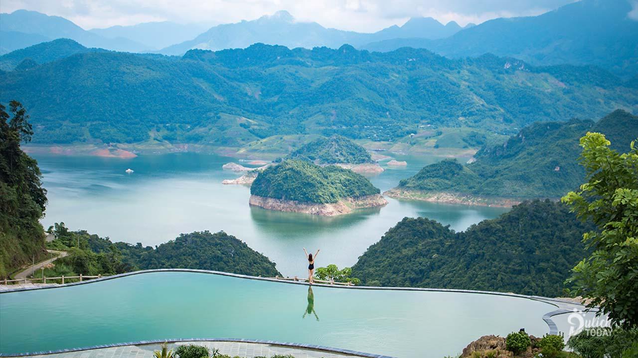 """Review BaKhan Village Resort """"mới toanh"""" view sông Đà"""