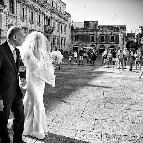 Wedding photographer Giulio Schirosi (schirosi). Photo of 24.10.2014