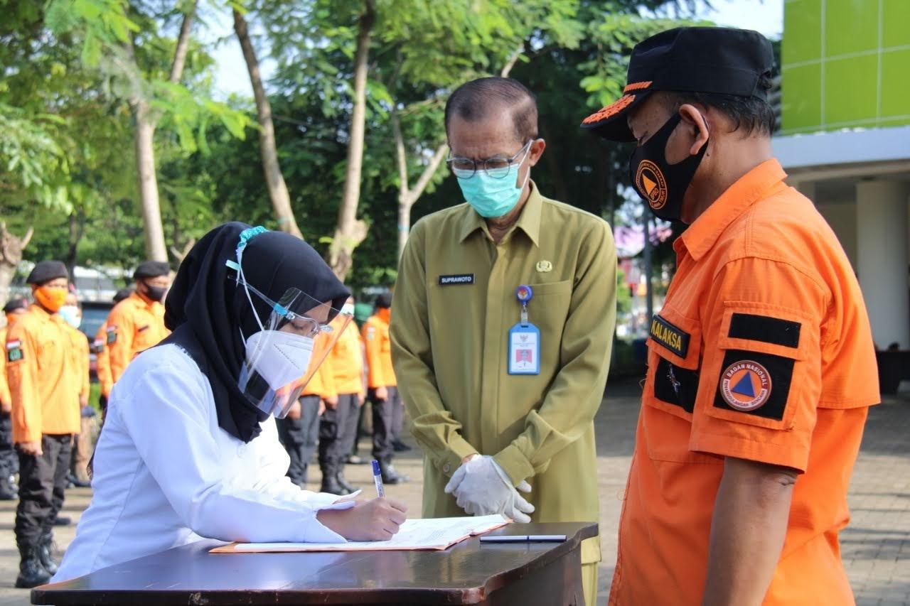 Pelantikan 39 Relawan Nakes Satgas Covid-19 Magetan