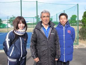 Photo: 齋藤マネージャー、植村監督、安田トレーニングアドバイザー