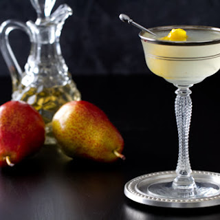 Vanilla Pear Vodka Gimlet
