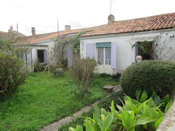 maison à Villeneuve-la-Comtesse (17)