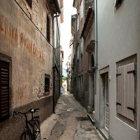 Cres - Croatia  by Michael Keel - City,  Street & Park  Neighborhoods ( cycle, croatia, cres, alley )