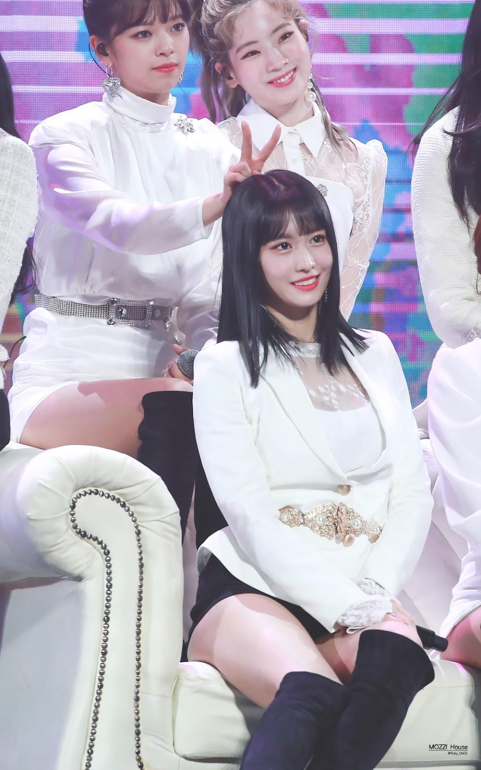 twice momo jeongyeon dahyun