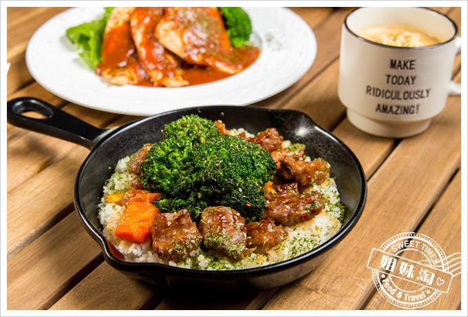 森夜早午餐餐廳黑花椰菜醬熬牛肉