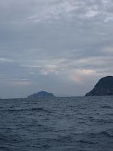 Photo: 雨もあがり、うっすら虹も。
