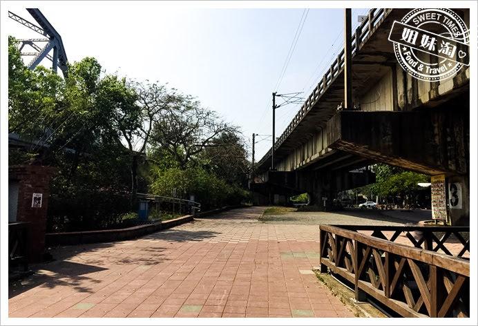 舊鐵橋濕地公園步道