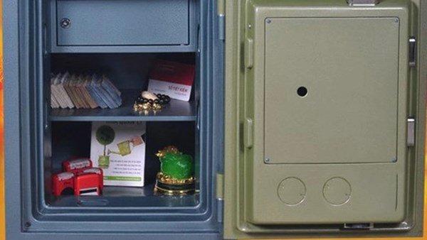 Kết quả hình ảnh cho két sắt đẻ trong nhà
