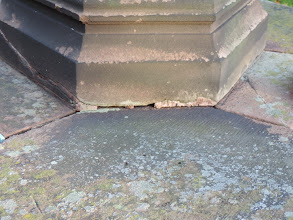 Photo: Mortar, lichen