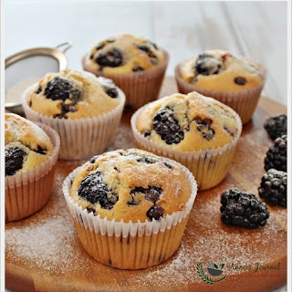 Blackberry and Chocolate Chip Cupcakes