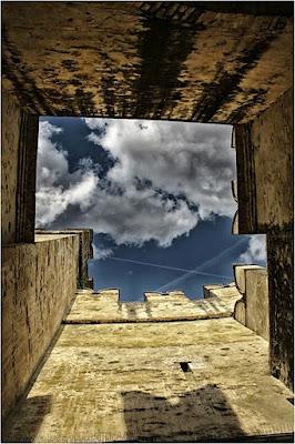Inside the Castle di Emanuele_1974