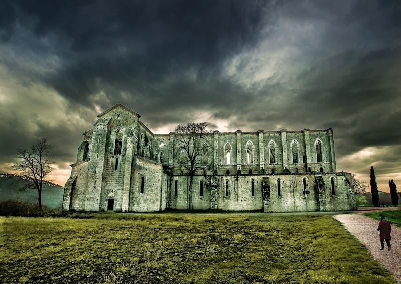 l' abbazia senza tetto di utente cancellato