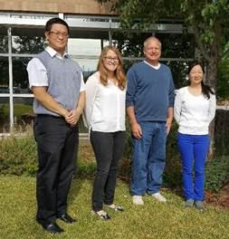 ANSYS Команда AirLoom Energy (слева на право): Mookwon Seo (инженер), Olivia Lim (инженер), Robert Lumley (руководитель), Blossom Ko (операционный менеджер). На фотографии отсутствуют ещё два члена команды: Lance Goode (системный администратор), Josh Hamblin (инженер).