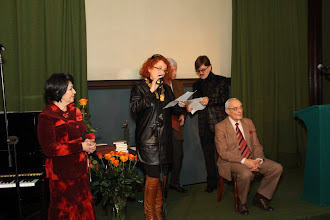Photo: Uhonortowanie jubilata Janusza Horodniczego.