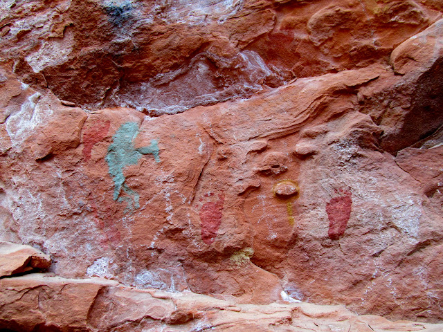 Hell Dive Canyon pictographs