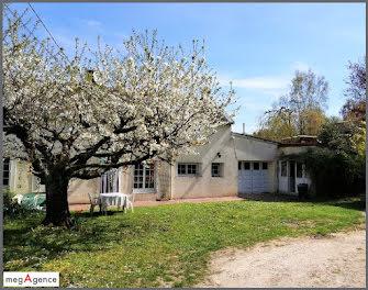 maison à Charbuy (89)