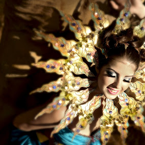 The Sun Goddess by Vic Pacursa - People Fashion