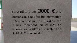 Cartel que anuncia la gratificación por las pistas sobre los ladrones.