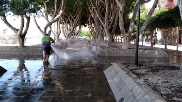 Tareas de limpieza de las calles.