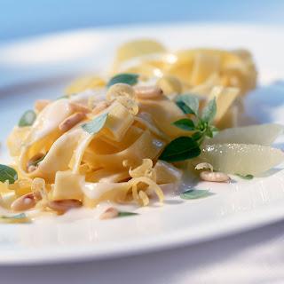 Zitronen-Pasta mit Kräutern