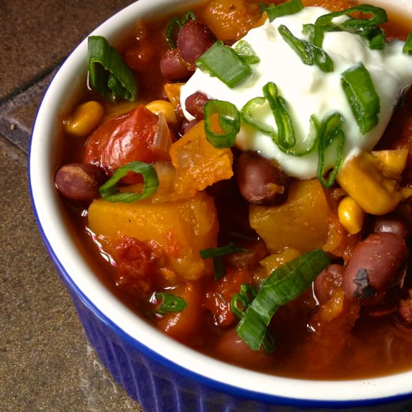 Slow Cooker Vegetarian Chili with Butternut Squash Recept | Yummly