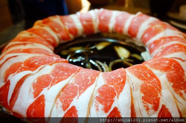 大鍋頭海鮮鍋物.肉圈圈壽喜燒雙重享受