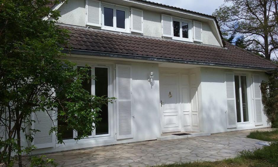 Vente maison 4 pièces 162 m² à Montcresson (45700), 262 000 €
