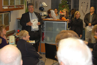 Photo: Andre' DiMino welcoming everyone at the first ever L'Art D'UNICO Exhibit