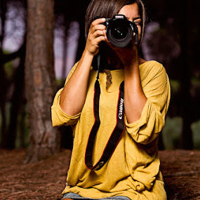 Canon Girl by Emanuele Foti - People Portraits of Women ( photographer, taking photos, pwc75 )