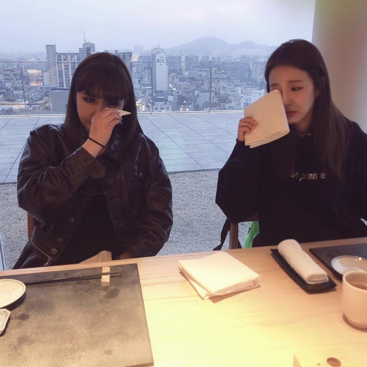 2NE1 Bom and Dara emotional at 10th year reunion for 2NE1
