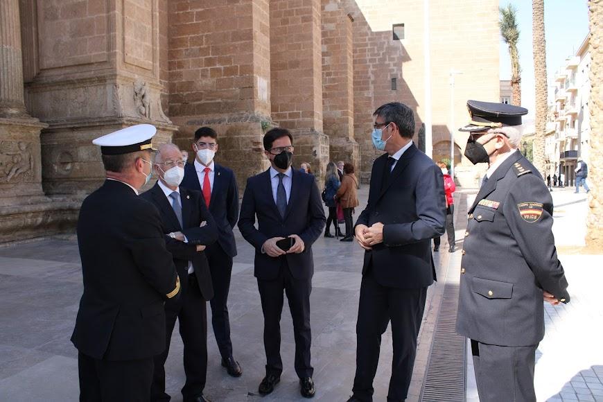 Comandante Naval, concejal, alcaldes de El Ejido y Adra y el jefe  provincial de Seguridad Ciudadana de la Policía Nacional.