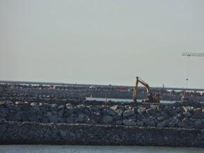 Photo: Obras do quebra-mar no Açu