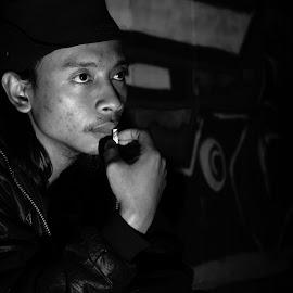 here waiting by Yosep Atmaja - Black & White Portraits & People (  )