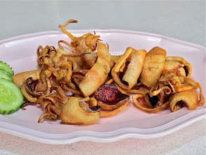 "Photo: delicious ""single sun"" squid (dried in the sun one day and then fried) – best at Sunee at Pranburi Marina"