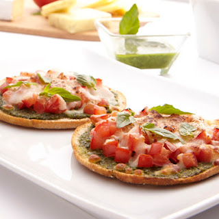 Quick & Crispy Mini Pesto Pizzas