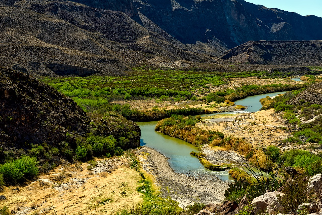 The Rio Grande River and mountains in Big Bend National Park, a top contender to consider for best national parks to visit by month