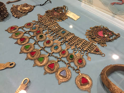 Pakistan Places to Visit in Islamabad // Lok Virsa Museum Jewelry