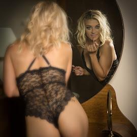 Reflecting by Gary Bradshaw - Nudes & Boudoir Boudoir