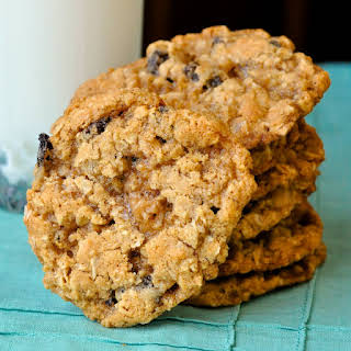 The Best Chewy Oatmeal Cookies.