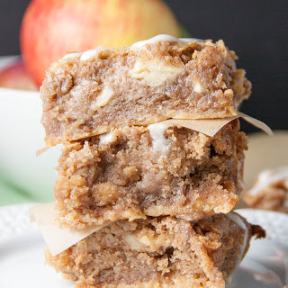 Apple Pie Gooey Bars.