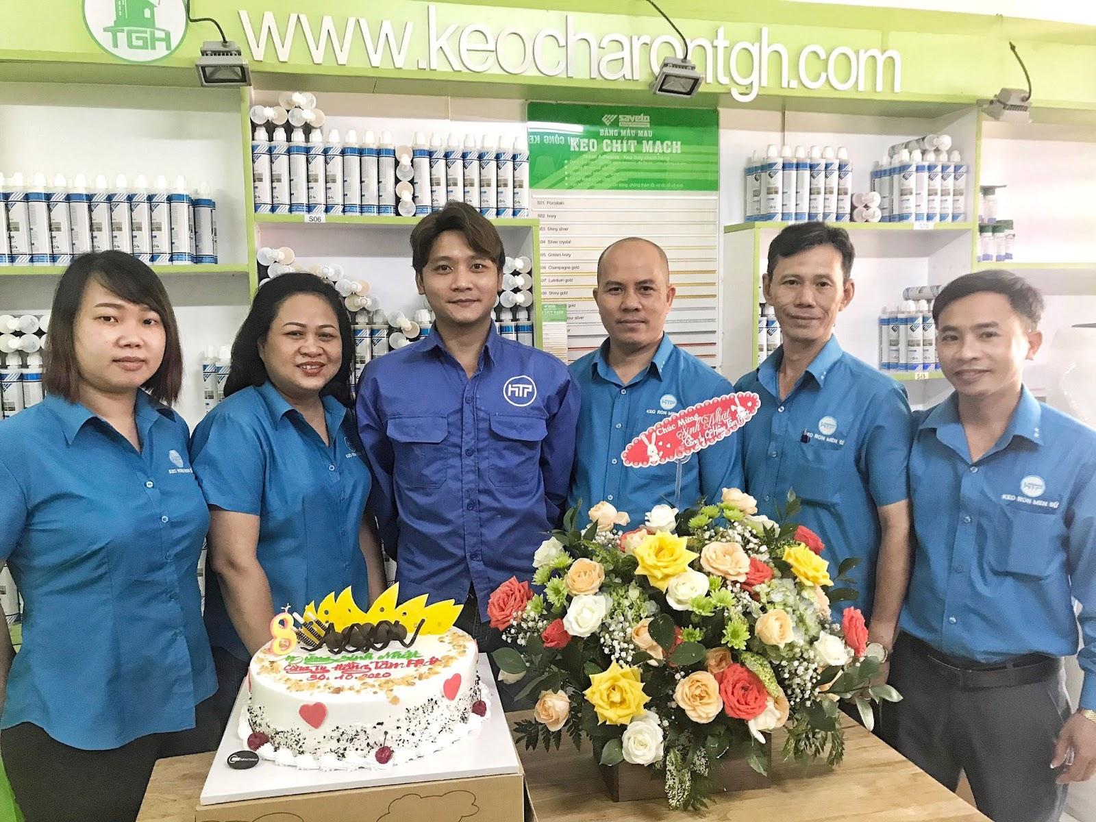 Trần Văn Hưng và đội ngũ Xây Dựng Trần Gia Hưng