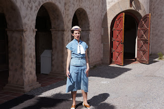 Photo: The U.S. National Park Service gives guided tours of Scotty's Castle. Park rangers dress in 1930s style clothes to help take the visitor back in time.
