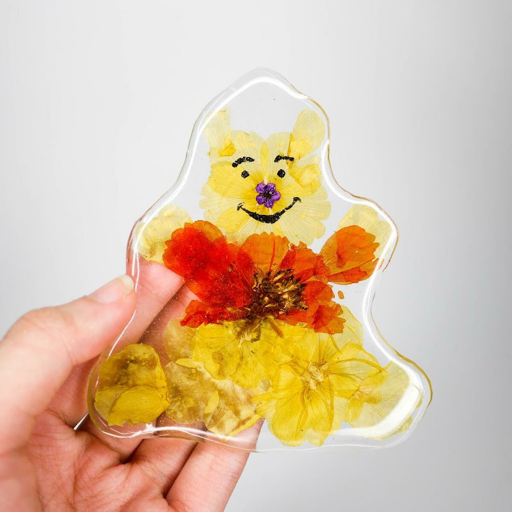 [訂製/custom-made] Winnie The Pooh Pressed Flower Phone Case
