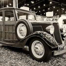 Yankee car show by Simo Järvinen - Black & White Objects & Still Life ( car, old, monochrome, indoor, automobile, transportation )