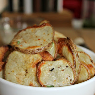 Uncommonly Good Homemade Baked Potato Chips.