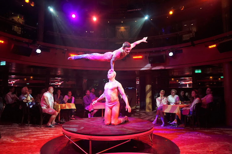 The Cirque Dreams dinner show features feats of jaw-dropping balance and coordination.