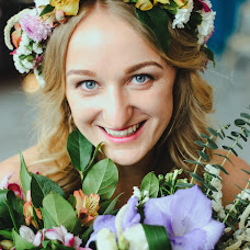 Wedding photographer Evgeniya Surkova (syrkovaevgeniya). Photo of 11.05.2016