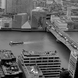 New London Bridge by DJ Cockburn - City,  Street & Park  Vistas ( london, britain, road bridge, city, tourism, river thames, building, cruiser, grayscale, uk, vessel, cityscape, black and white, architecture, the cathedral and collegiate church of st saviour and st mary overie, england, northern & shell building, skygarden, southwark, water, structure, boat, walkie talkie, urban, london bridge, 20 fenchurch street, monochrome, travel )